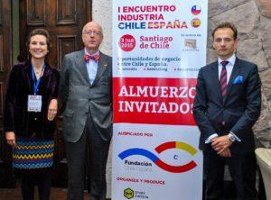 María  Ángeles Osorio con el Embajador de España